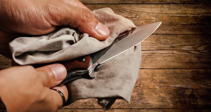 how to clean an old pocket knife