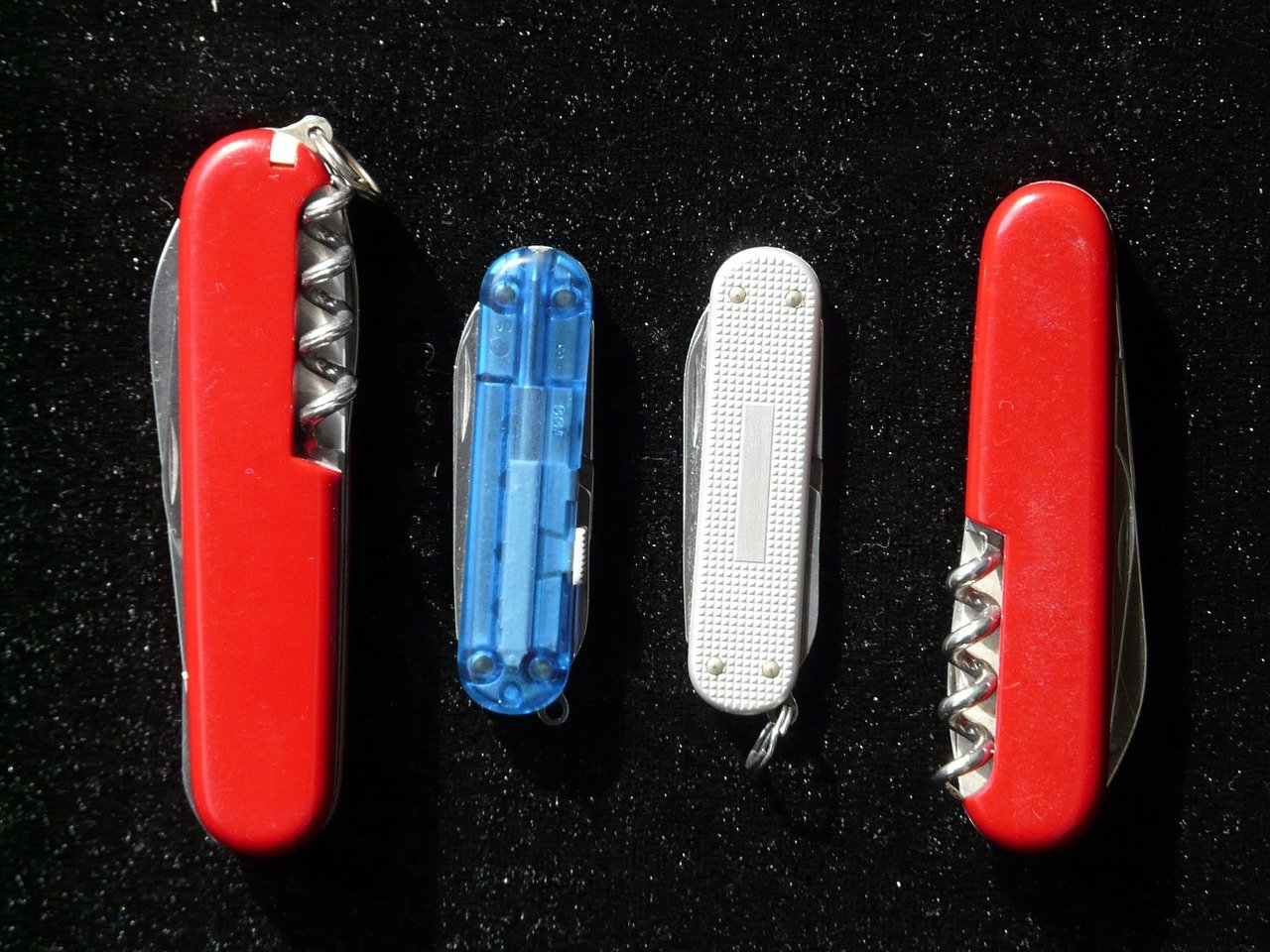 swiss army knife hard to open